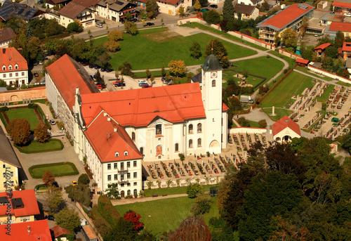 klosterkirche rott am inn stockfotos und lizenzfreie bilder auf bild 31920971. Black Bedroom Furniture Sets. Home Design Ideas