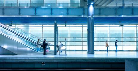 Moderner Bahnhof