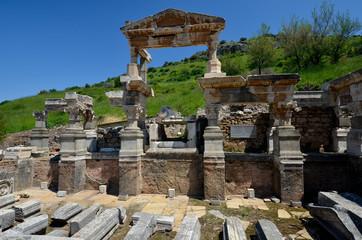 Fontaine de Trajan à Ephèse