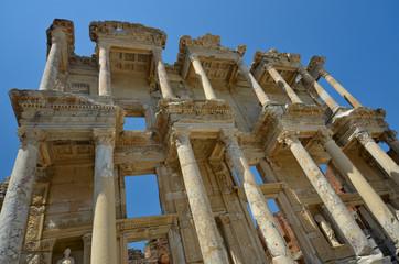 Façade de la bibliothèque de Celsus