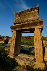 Ruines dans Hiérapolis à Pamukkale