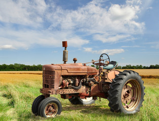 Wall Mural - vintage tractor