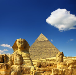 Fotobehang Egypte egypt Cheops pyramid and sphinx