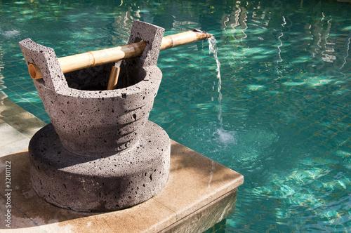 Fontaine en pierre et bambou photo libre de droits sur la banque d 39 images image - Fontaine en bambou ...