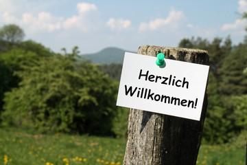 Zettel auf dem Land HERZLICH WILLKOMMEN!