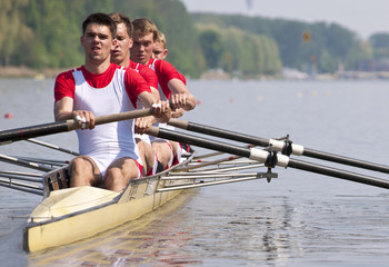 Rowing team during the start