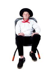 Handwerksmeister sitzt in der Schubkarre 781