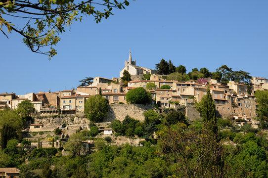 France, le village de Bonnieux en Provence
