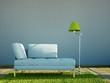 Weisses Sofa mit grüner Lampe und Teppich