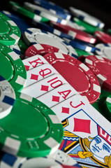 royal flush and poker chips