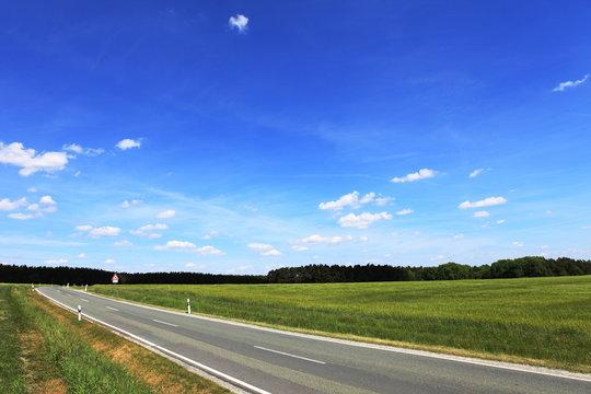 Landstrasse in Deutschland