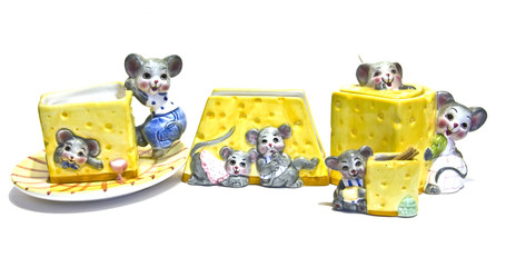 The dishes with mouses