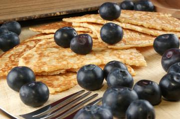 hausgemachter Pfannkuchen mit Blaubeeren
