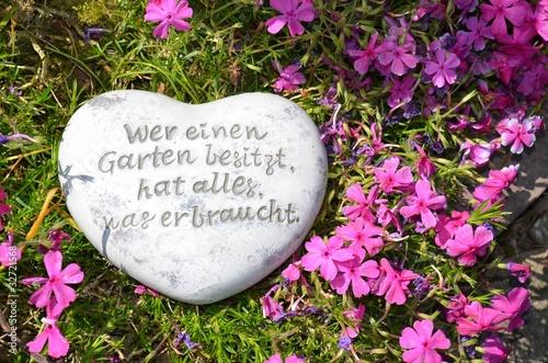 weisheiten sprüche garten Stein mit Spruch im Garten