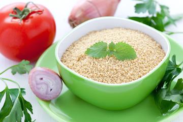 Couscous und Zutaten