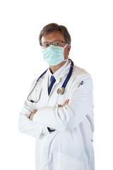Älterer Arzt hat Mundschutz zum Schutz vor Virus Infektion
