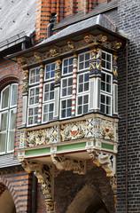 geschnitzter Balkon am Rathaus Lübeck