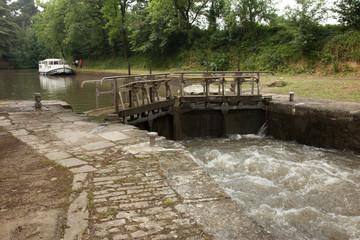Ecluse sur le canal du Midi - France