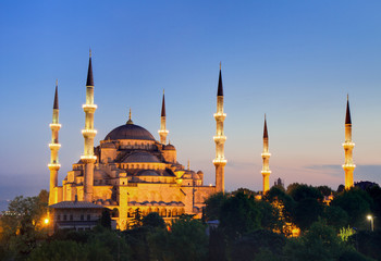 Blaue Moschee in der Dämmerung