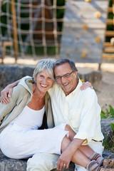 älteres ehepaar macht pause