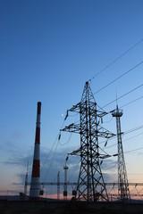 Линии электропередач на закате