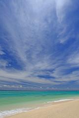 水納島の美しい海と夏の空