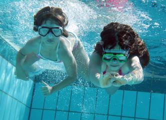 Schwimmwettkampf unterwasser