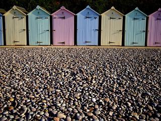 Huts & pebbles