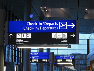 Poster Aeroport Airport gate sign, flight schedule,airline, travel concept