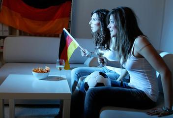 Mädchenabend mit Fußball