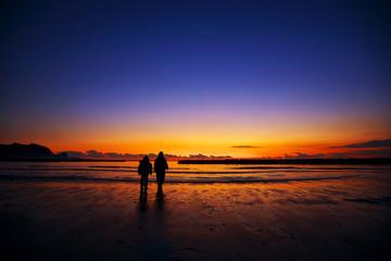 海辺の二人〜夕刻