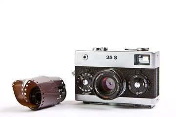 analoger Fotoapparat  mit Filmrolle