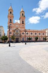 Plaza San Antonio und Kirche in Cádiz, Spanien