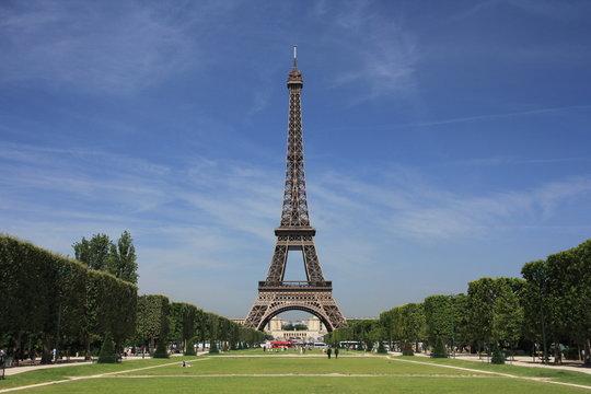 Champ de Mars - Tour Eiffel