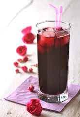 Sok wiśniowy w szklance