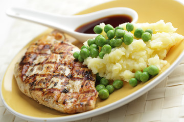 Chicken breast with mashed potato