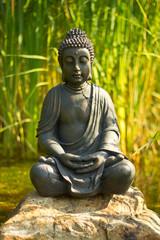 Recess Fitting Buddha Buddha Meditation am Wasser