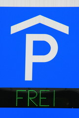 Parkhausschild