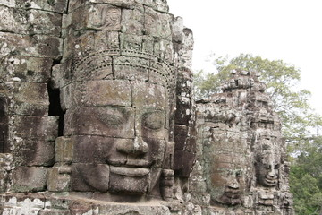 Budha head.Ruins of the ancient temple.