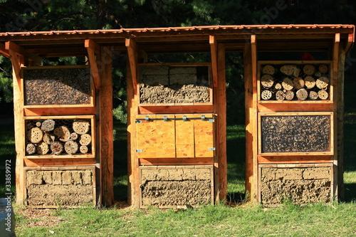 H tel insectes pollinisateurs photo libre de droits for Hotel a insecte acheter
