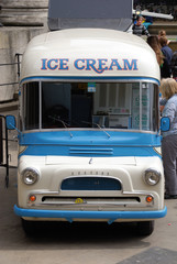 london ice cream bus 2
