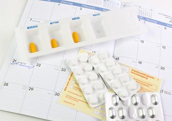 Arbeitsunfähigkeitsbescheinigung mit Tabletten