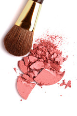 Cosmetic powder brush and crushed blush palette