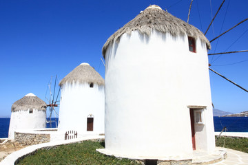 famous mykonos wndmills