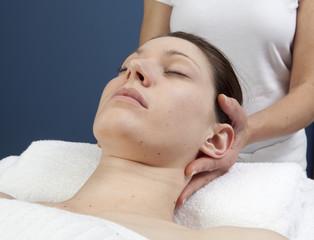 massage ayuvédique de la tête