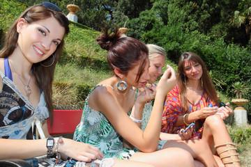 ragazze al parco