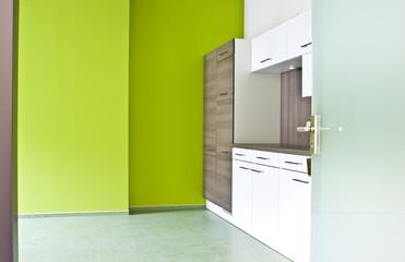 moderne neue weiße Küche