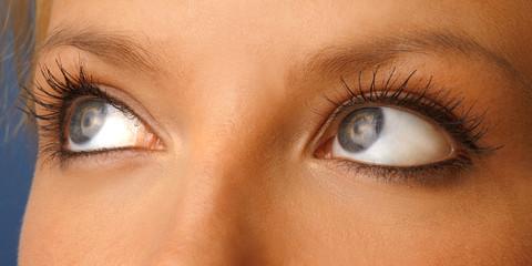 Augen einer jungen Frau