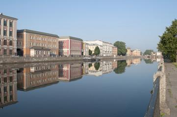 Река Фонтанка летним утром. Санкт-Петербург