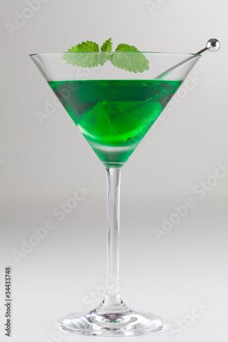 cocktail peppermint green mit zitrone und minze photo. Black Bedroom Furniture Sets. Home Design Ideas